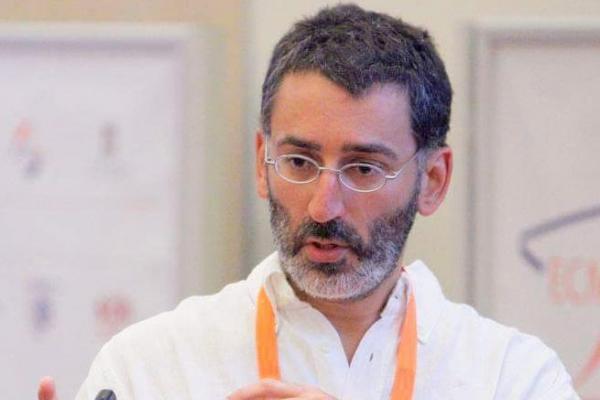Professor Lapo Bogani